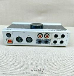 Native Instruments KOMPLETE AUDIO 6 Digital Recording Interface With Cables